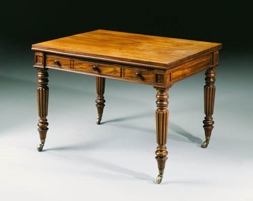 A GEORGE IV MAHOGANY DRAW-LEAF