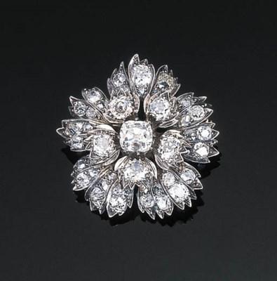 An Antique Diamond Floral Pend