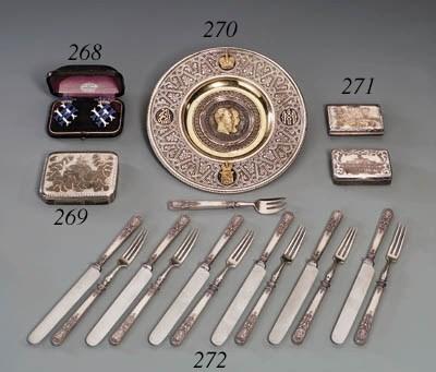 A silver-gilt niello Snuff-box