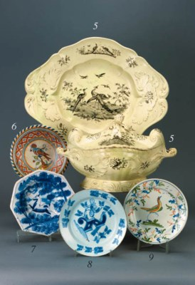 A delft blue and white plate