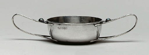 A SILVER DOUBLE-HANDLED PORRIN