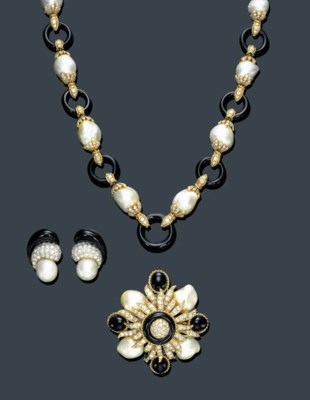 A SUITE OF CULTURED PEARL, BLA