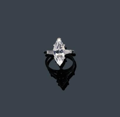 A DIAMOND SINGLE STONE RING, H