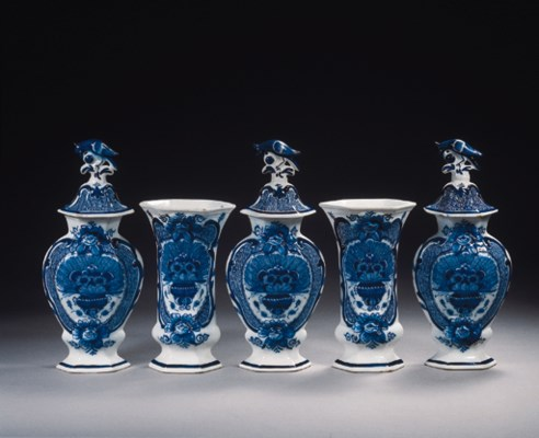 A Dutch Delft blue and white h