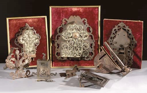 A lot of eight various locks a