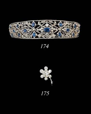 AN IMPORTANT DIAMOND FLOWERHEA