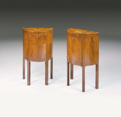 A PAIR OF ITALIAN OLIVEWOOD BE