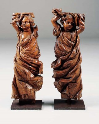 A PAIR OF CARVED WOOD ARCHITEC