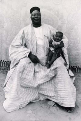 Seydou Keïta (B. 1921)