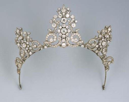An Antique Diamond Tiara