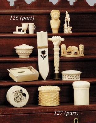 Various miniature items of car