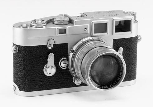 Leica M3 no. 1044123