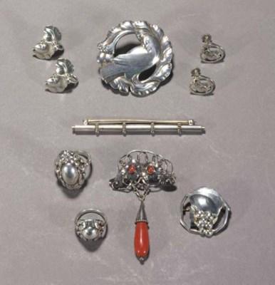 Six Georg Jensen items of meta