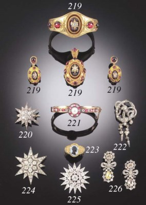 A 19TH. CENTURY DIAMOND STAR B