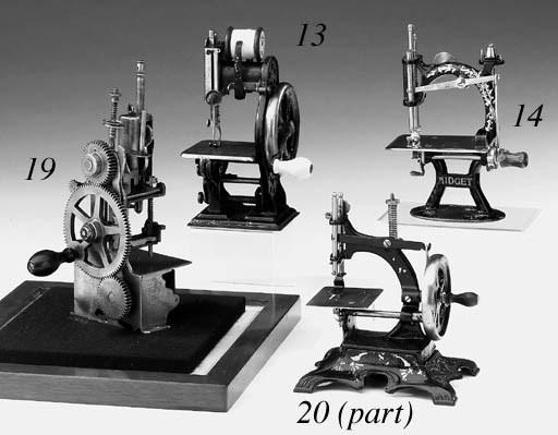 A Midget child's sewing machin
