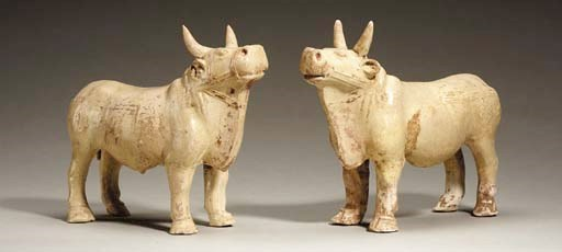 A Pair of Straw-Glazed Pottery