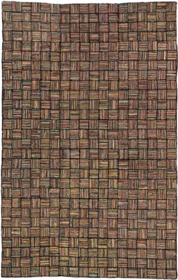 AN AMERICAN HOOKED CARPET