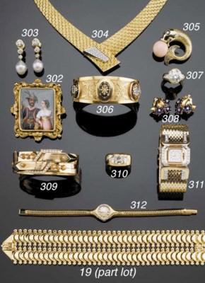 A RETRO GOLD AND DIAMOND WRIST