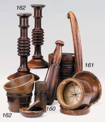 A collection of treen items, 1