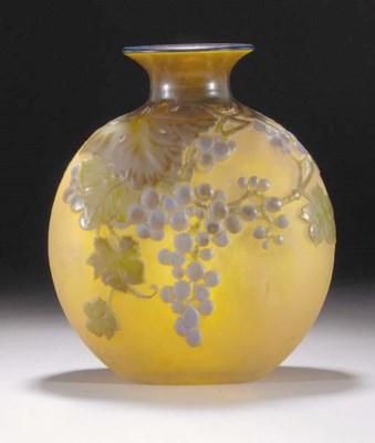 A GALLÉ MOULD-BLOWN GLASS VASE