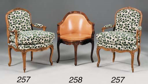 A MATCHED PAIR OF LOUIS XVI BE