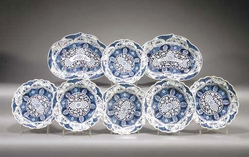 A Worcester blue and white par