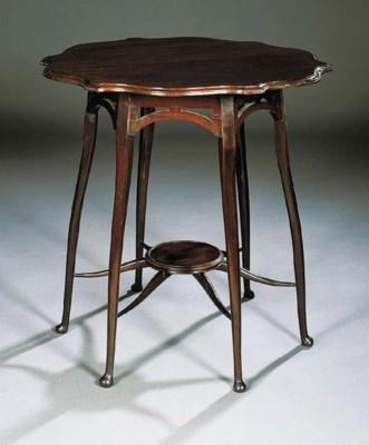 A MAHOGANY OCCASIONAL TABLE, I