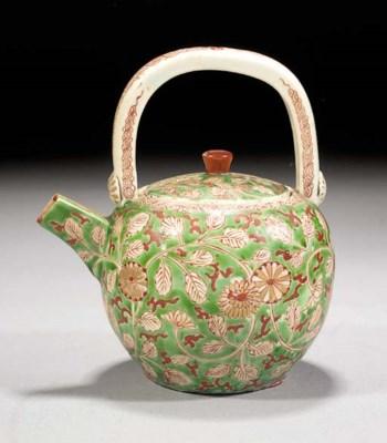 An Arita globular teapot and c