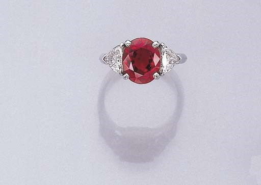 A FINE RUBY RING, BY FARAONE