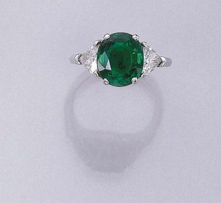 AN EMERALD RING, BY FARAONE