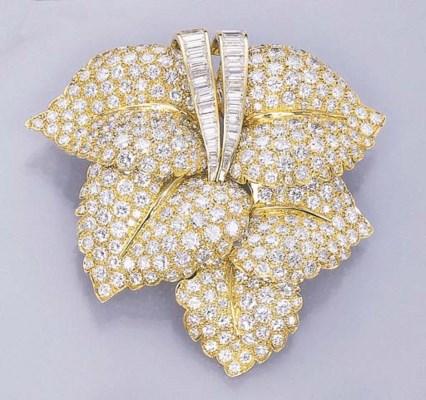 A DIAMOND FOLIATE CLIP BROOCH,