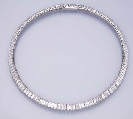 A FINE DIAMOND LINE NECKLACE