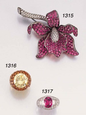 A PINK SAPPHIRE AND DIAMOND OR