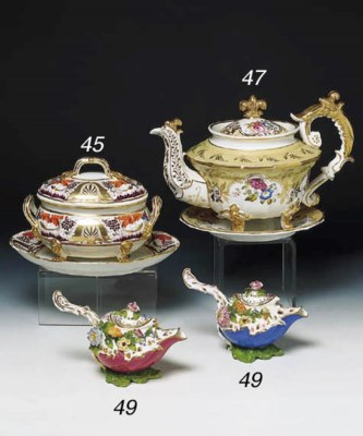 A DERBY SAUCE TUREEN, COVER AN
