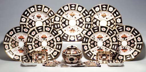 AN ASSEMBLED ROYAL CROWN DERBY