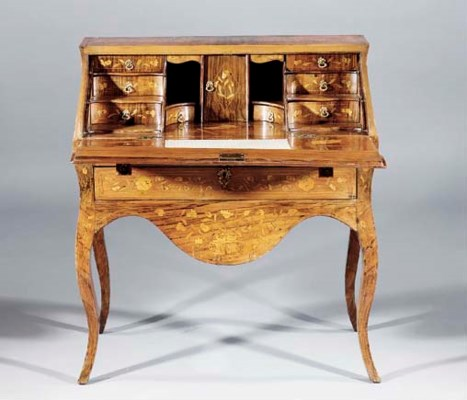 A German walnut bureau inlaid