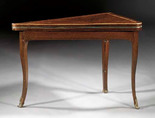A Louis XV rosewood table de t