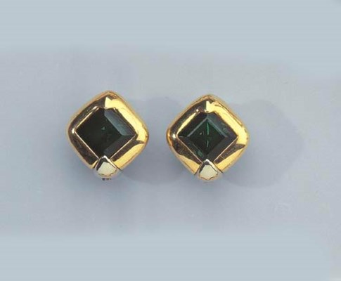 A PAIR OF GOLD AND TOURMALINE