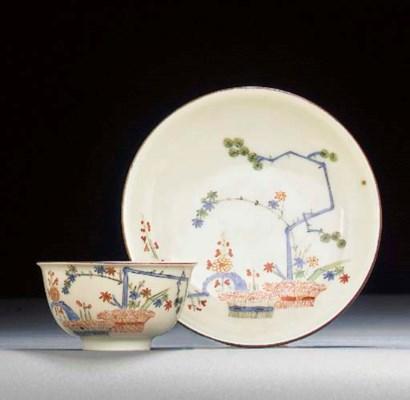 A Meissen Kakiemon teabowl and