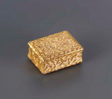 A FINE LOUIS XV GOLD SNUFF-BOX