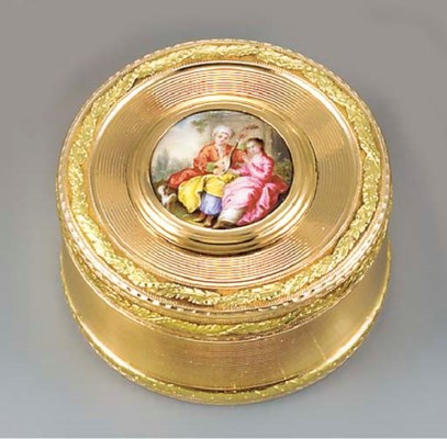 A SWISS TWO-COLOUR GOLD BONBON