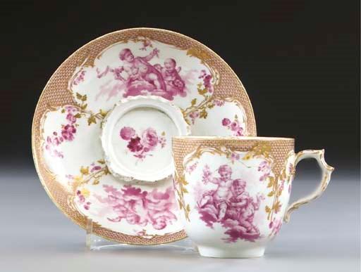 A Berlin porcelain tasse tremb