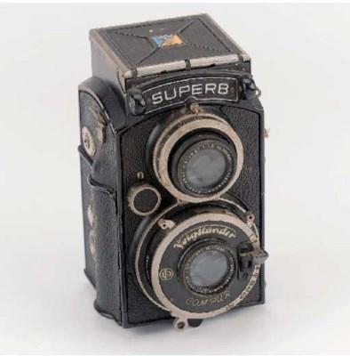 TLR cameras: