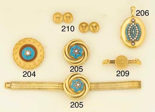 A Victorian gold oval locket w