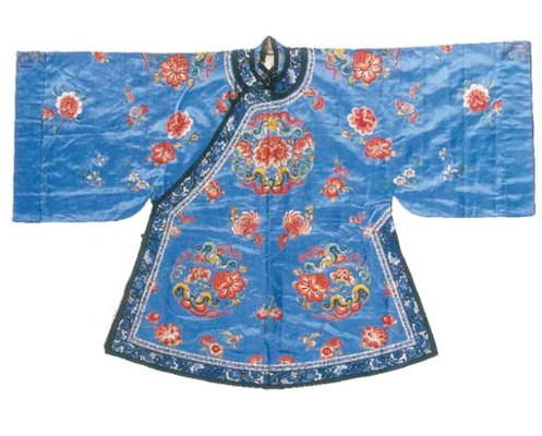 An informal robe of forget-me-