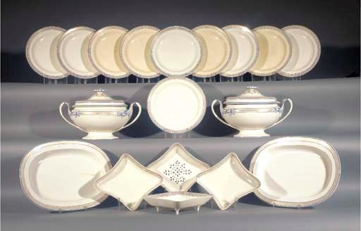 A Wedgwood creamware part dinn