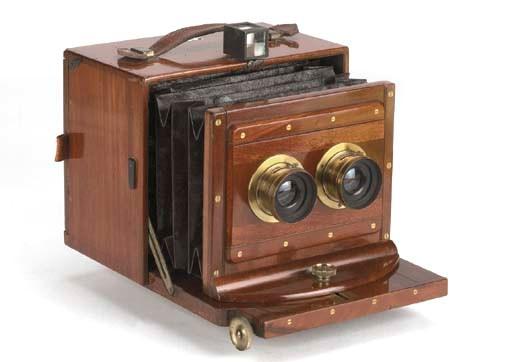 Stereoscopic hand camera