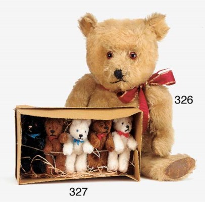 A trade box of German teddy be