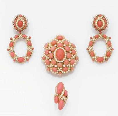 AN 18CT. GOLD, CORAL AND DIAMO