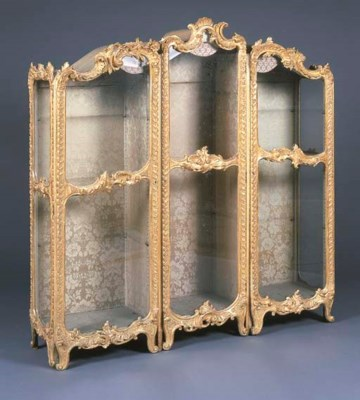 A ROCOCCO GILTWOOD TRIPLE SECT